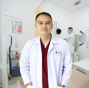 https://vietpharm.com.vn/wp-content/uploads/2021/03/Le-Quang-Duong-1.jpg